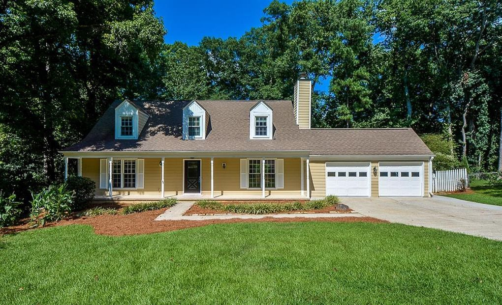 705 Crab Orchard Dr Roswell, GA 30076