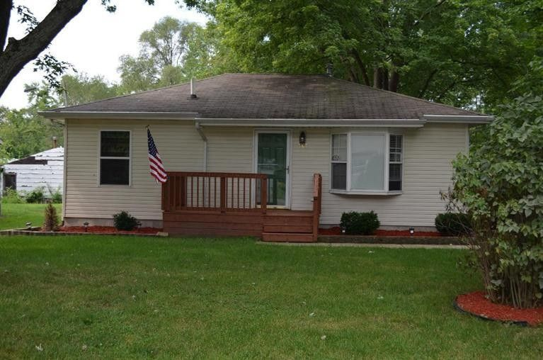 347 Maple St, Crown Point, IN 46307