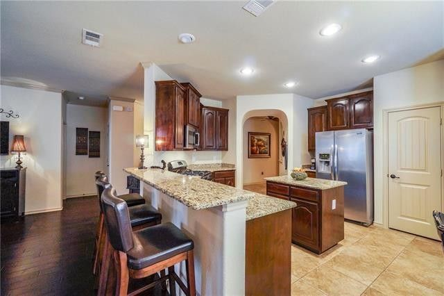 5028 holliday dr fort worth tx 76244 for Kitchen cabinets 76244