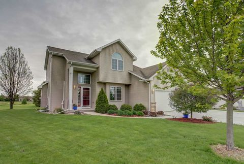 Photo of 1103 Westminster Ct, Waunakee, WI 53597