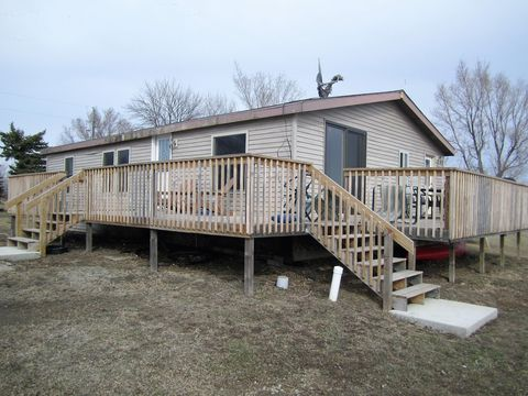 Photo of 40399 Robeson Ln, Huron, SD 57350