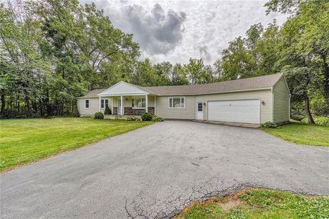 4277 Canal Rd, Spencerport, NY 14559