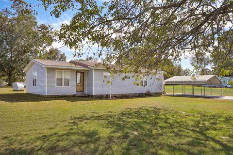590 Parks Rd, Gleason, TN 38229