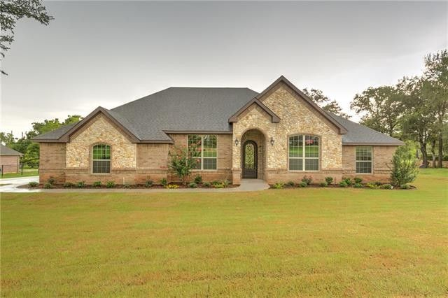3902 Homestead Ct, Granbury, TX 76049