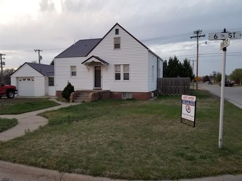 Photo of 1105 6th St, Victoria, KS 67671