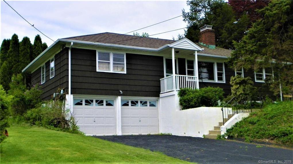 20 Charcoal Ridge Rd E, New Fairfield, CT 06812