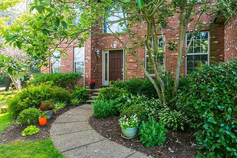 Photo of 104 Aetna Ln, Nicholasville, KY 40356