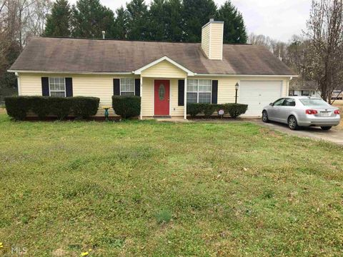 Photo of 10 Canterbury Dr, Grantville, GA 30220
