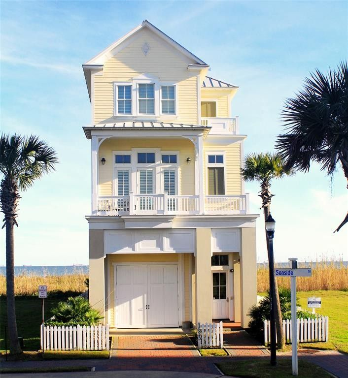 1525 Seaside Dr, Galveston, TX 77550
