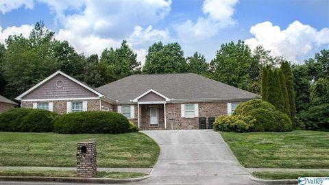 Photo of 108 Southern Oaks Dr, Huntsville, AL 35811