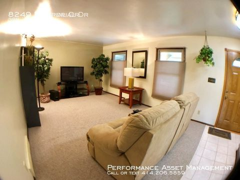 Photo of 8249 W Imperial Dr, Franklin, WI 53132