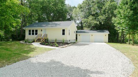 20313 Pine Lake Rd, Battle Creek, MI 49014