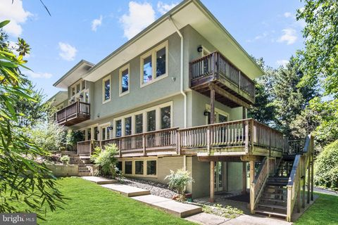 Photo of 8405 Old Seven Locks Rd, Bethesda, MD 20817