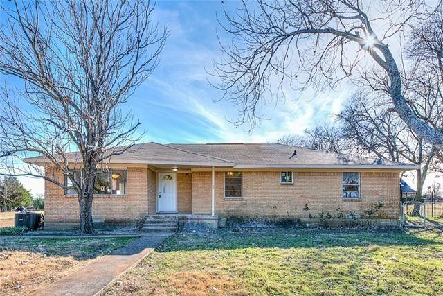832 Spinner Rd, Desoto, TX 75115
