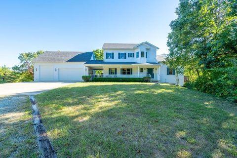 Photo of 16930 S Bud Wyman Ln, Hartsburg, MO 65039