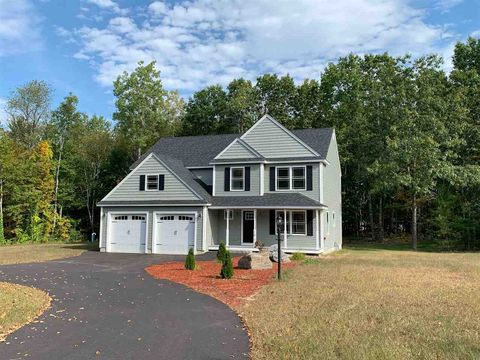 Photo of 10 Jacobs Cove Rd, Fremont, NH 03044