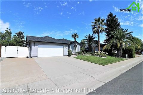 Photo of 3022 Blue Bell Dr, Redding, CA 96001