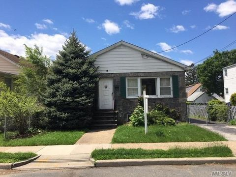 Photo of 336 Oakley Ave, Elmont, NY 11003