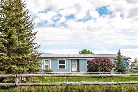 Photo of 1643 Webster Ln, Dillon, MT 59725