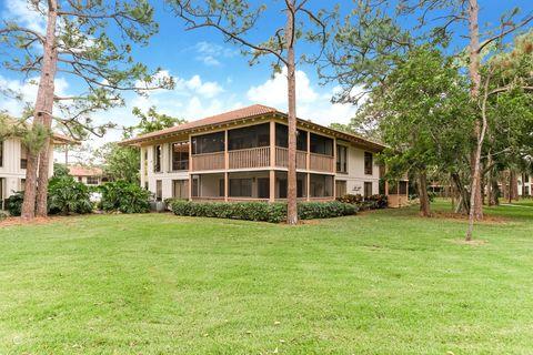 Photo of 561 Brackenwood Pl, Palm Beach Gardens, FL 33418