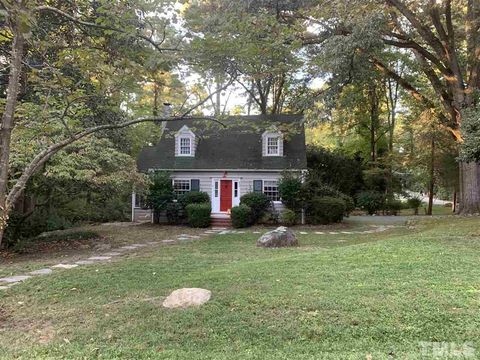 Photo of 400 Whitehead Cir, Chapel Hill, NC 27514