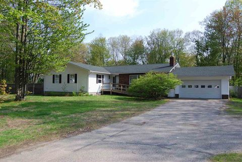 Photo of 250 Rudgate Rd, Colchester, VT 05446