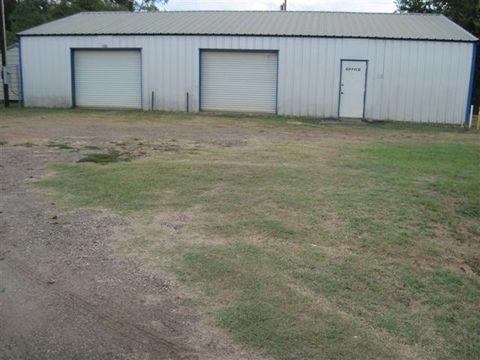 Photo of 130 E State Highway 7, Center, TX 75935
