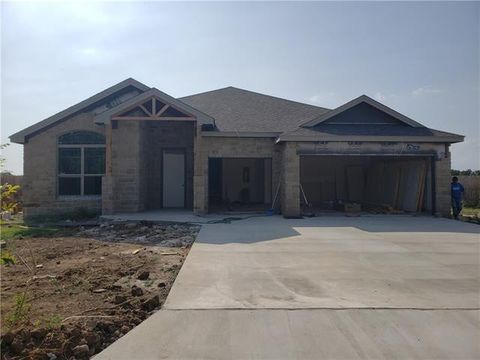 Photo of 1502 Southgate Dr, Brownwood, TX 76801