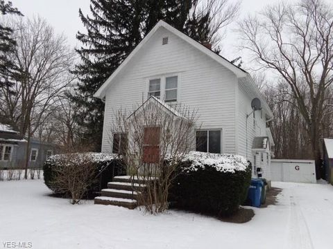 Photo of 69 West St, Berea, OH 44017