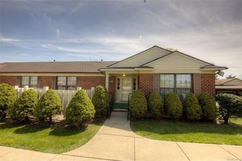 40703 Newport Dr, Plymouth Township, MI 48170