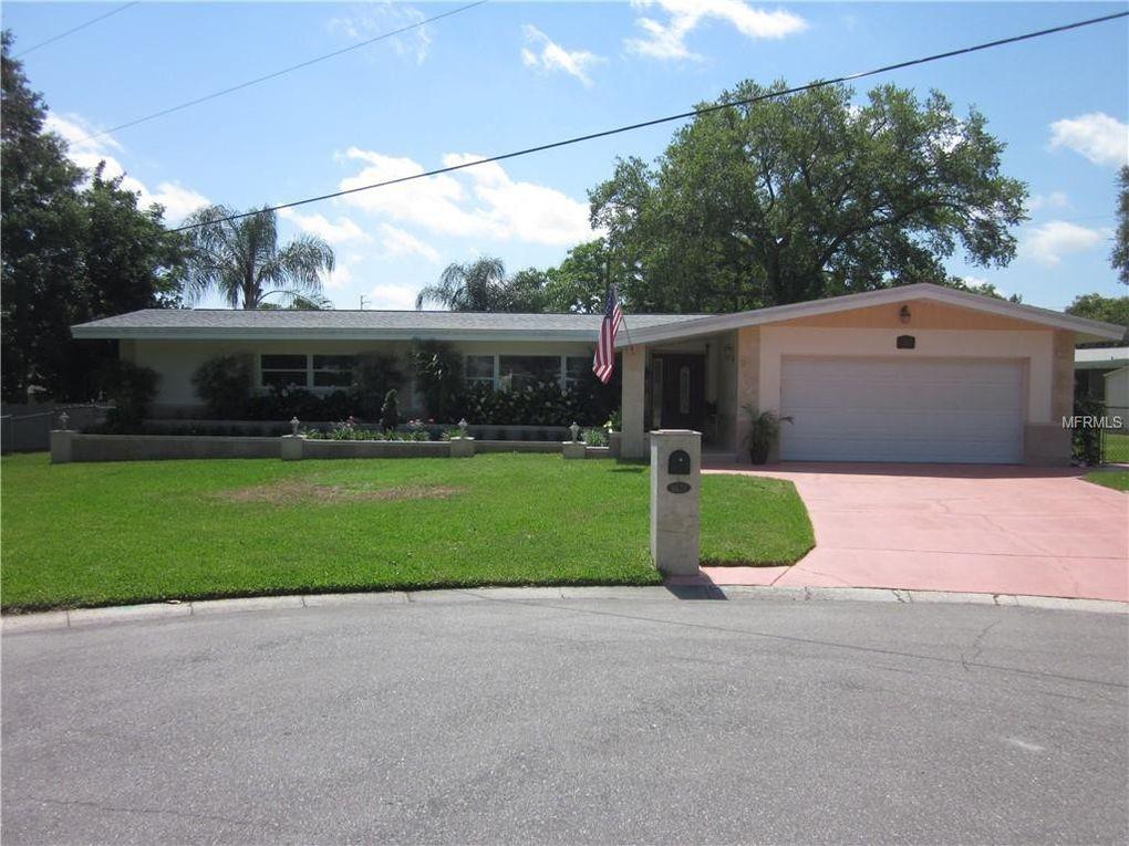 1621 Sierra Cir Clearwater, FL 33764
