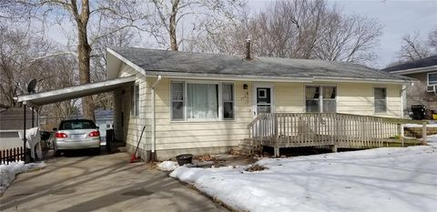 Photo of 706 12th Ave, Coralville, IA 52241