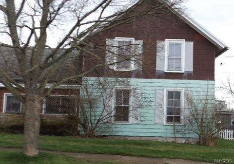 Photo of 15 Adams St, Silver Creek, NY 14136