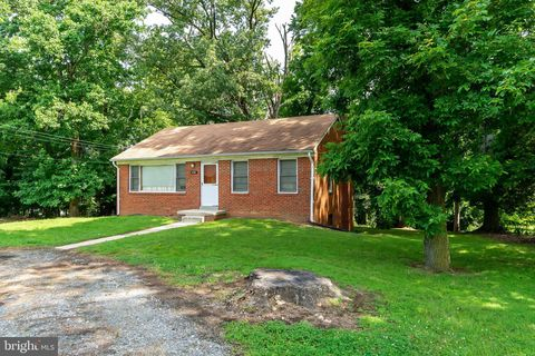 Photo of 1028 Broadview Rd, Fort Washington, MD 20744