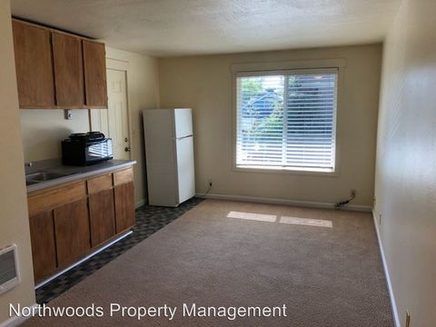 Photo of 1331 High St Apt 8 A, Eugene, OR 97401