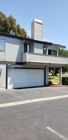 Photo of 6474 Stoney View Ln Unit 3, Simi Valley, CA 93063