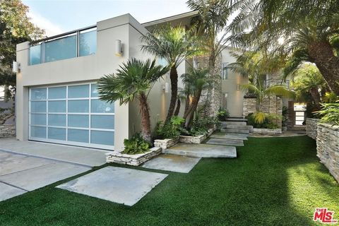 31558 Victoria Point Rd, Malibu, CA 90265