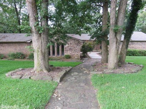 Photo of 15 Rosemary Ln, Clarksville, AR 72830
