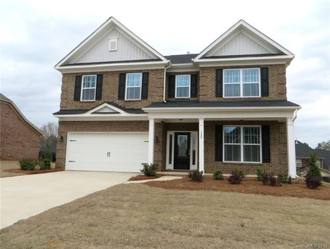 Photo of 320 Kerrydale Ct, Clover, SC 29710