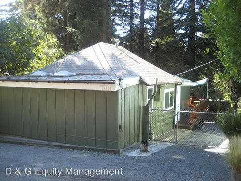 Photo of 14131 Woodland Dr, Guerneville, CA 95446
