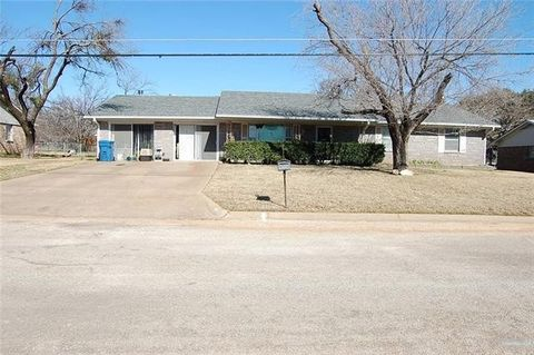 Photo of 406 Pecan St, Keene, TX 76059
