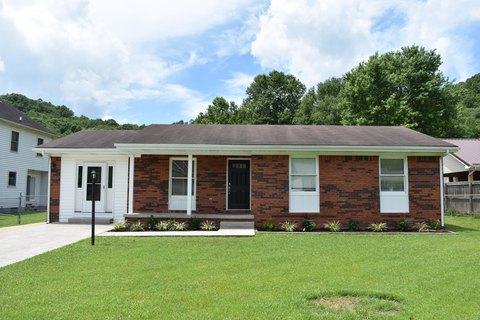 17 Abbey Ct, Middlesboro, KY 40965