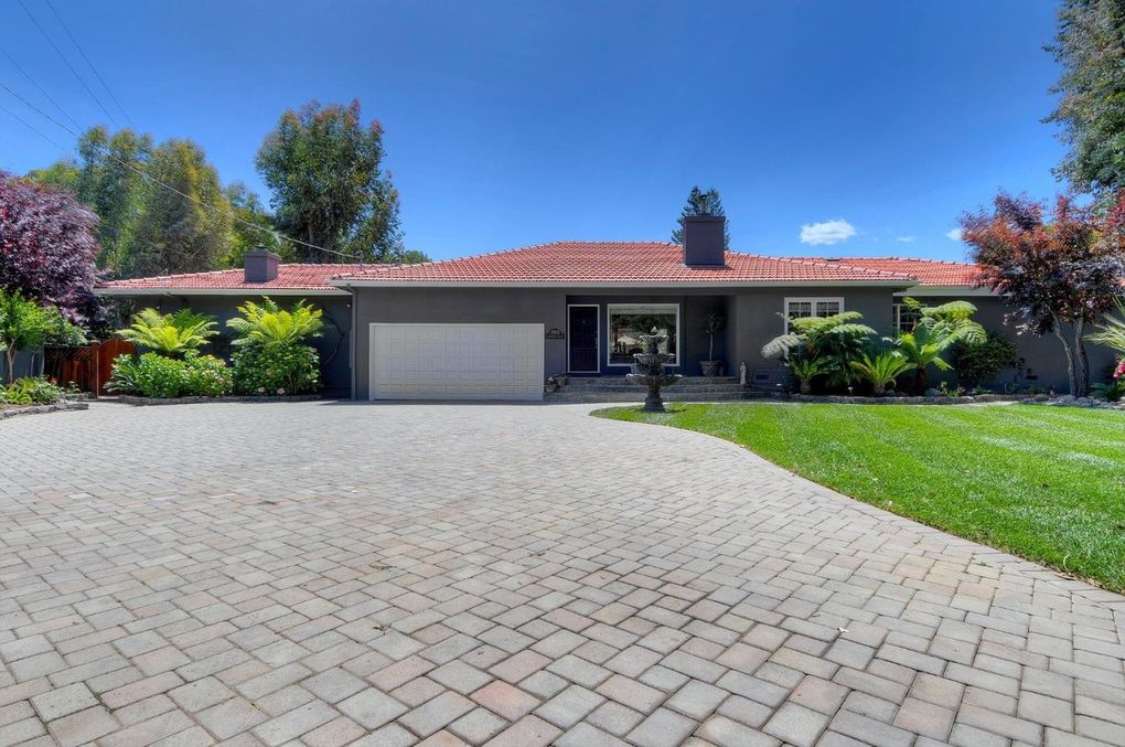 1505 Edgewood Rd, Redwood City, CA 94062