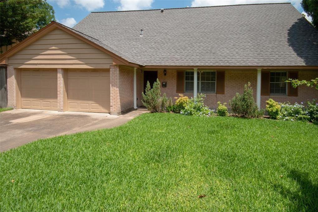 9638 Beverlyhill St Houston, TX 77063