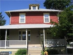 240 Wanamaker Ave, Essington, PA 19029