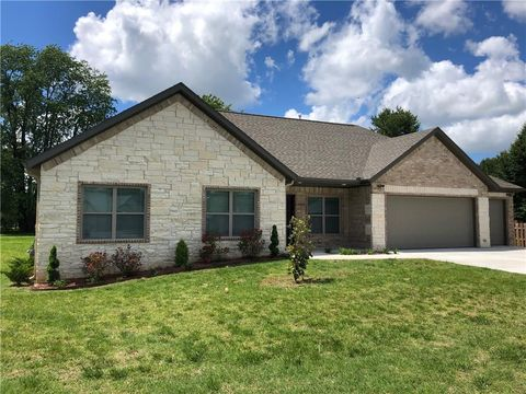 Photo of 4404 S 3rd Ct, Rogers, AR 72758