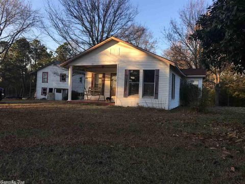 141 Tower Rd, Gillham, AR 71841
