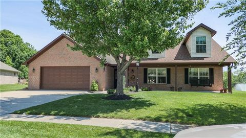 Photo of 7951 Meadow Bend Cir, Indianapolis, IN 46259