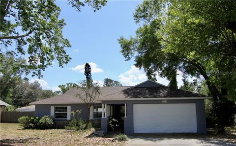 Photo of 13646 Devenshire Ct, Grand Island, FL 32735