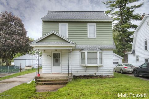 Photo of 994 Cogswell St Nw, Grand Rapids, MI 49544